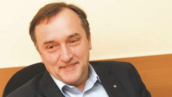 Бойко Борисов уволни и шефа на АПИ заради винетките