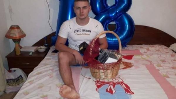 Петричани събраха пари за протеза на прегазения ученик,който остана без крак