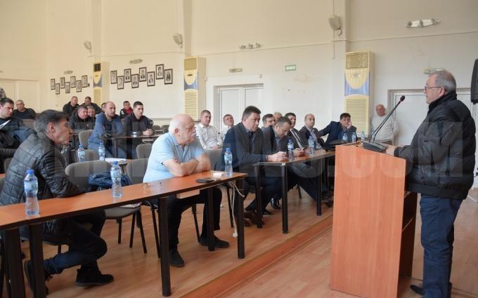 Превозвачи и експерти от АПИ се срещнаха заради два опасни моста в Петричко