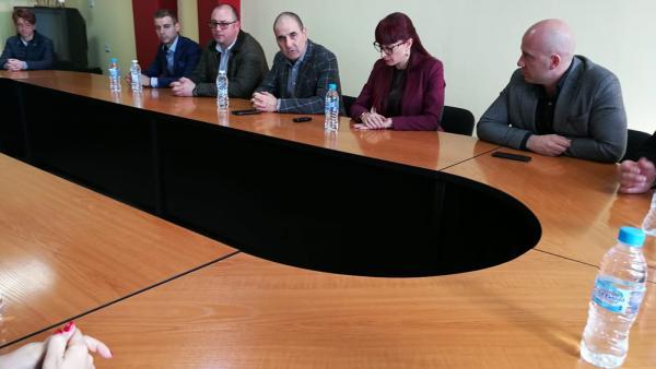 Цветан Цветанов в Струмяни: Правителството осигури допълнителни средства за проекти в общините, една от които е Струмяни