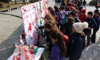 Детска изложба на мартеници в Банско впечатли чужденци