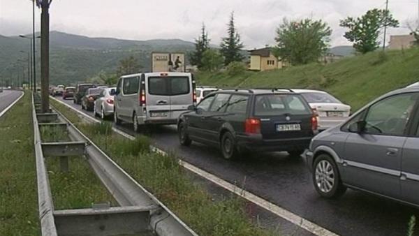 Засилен трафик по пътищата в Пиринско