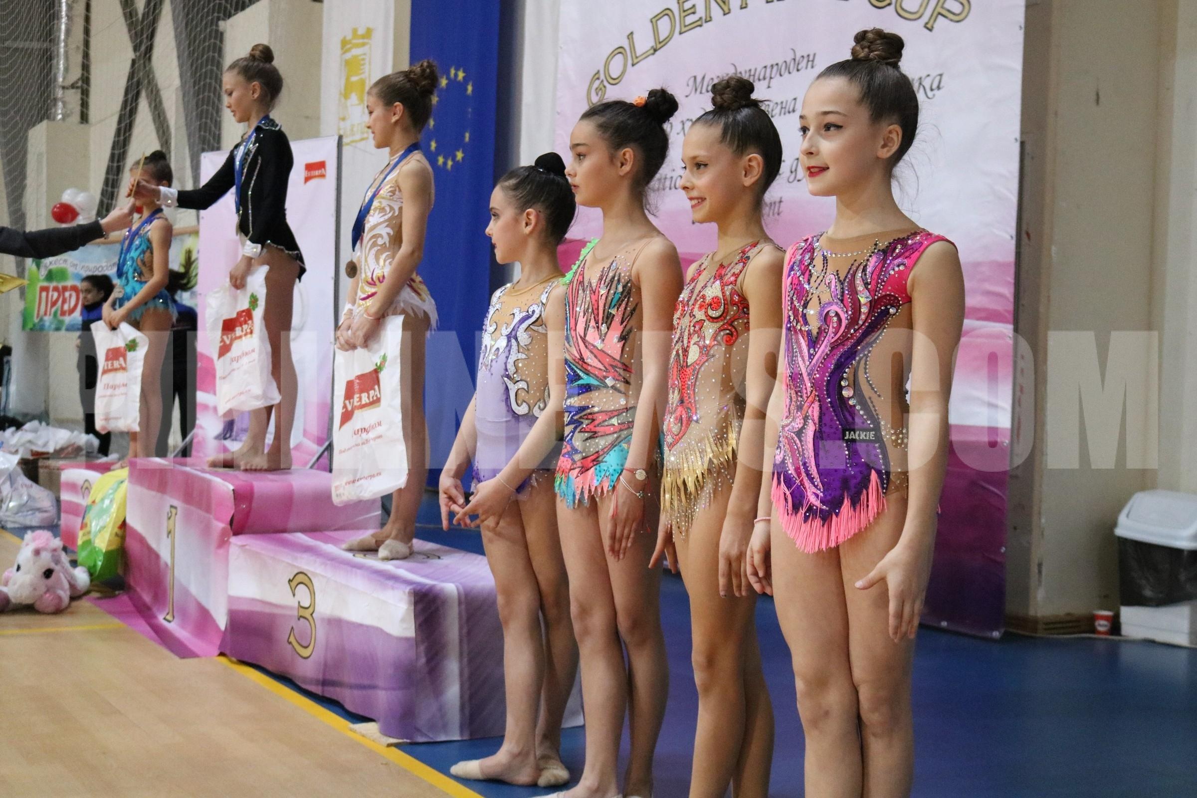"""430 грации от страната и чужбина пристигнаха за Втори международен турнир по художествена гимнастика  Golden Pirin Cup"""" в Благоевград"""