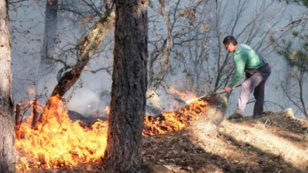Предадоха на прокуратурата 76-годишен дядо заради пожара над Благоевград