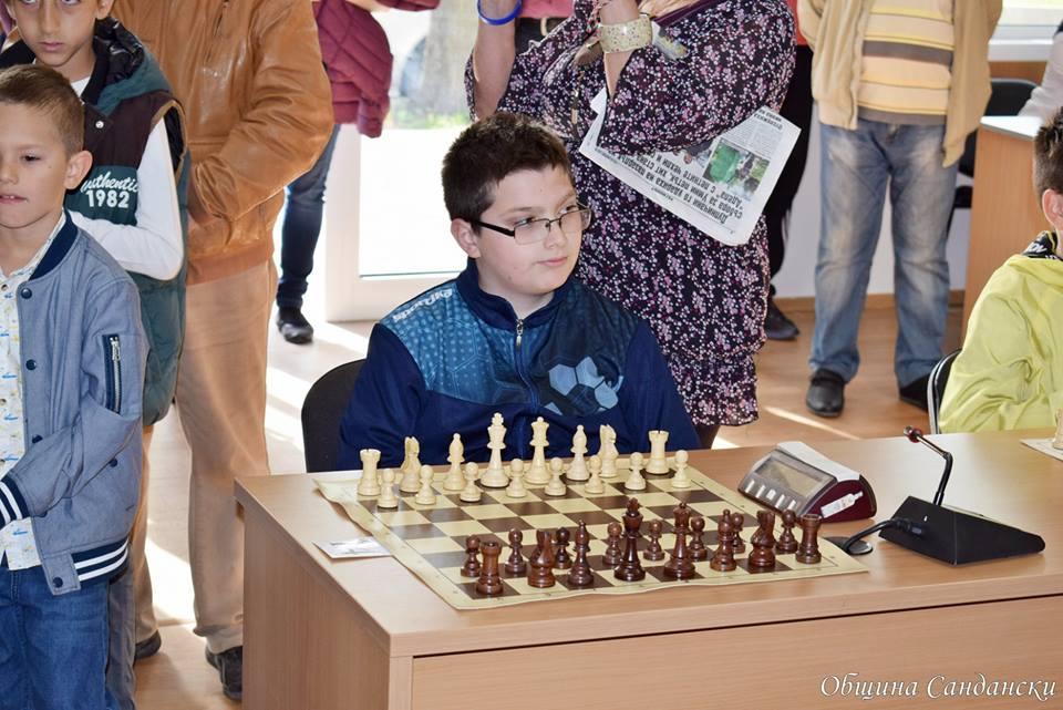 Огромен интерес към турнира по шахмат в Сандански