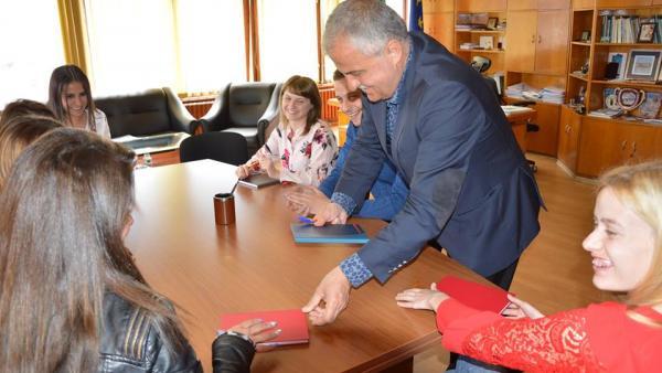 Назначиха 10 младежи по проект в гоцеделчевските села