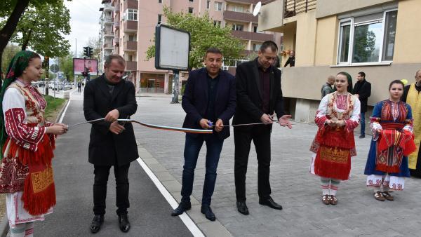 Кметът д-р Камбитов: В рамките на ден откриваме два обекта. Това е показател за оборотите, на които работи Община Благоевград