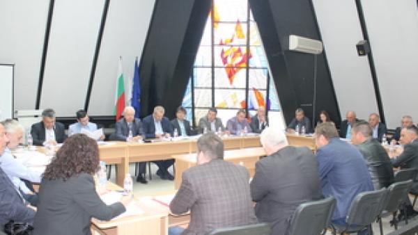 Камбитов избран за трети мандат да председателства СЮЗО