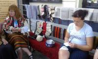 В Банско показват как се плетат бабини шушони