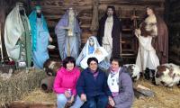 Пенсионерки от Разлог направиха с много любов Рождественски кът