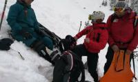 Спасителите от Банско прибраха закъсали девойка и семейство при две акции в планината
