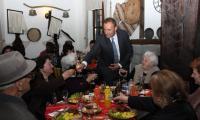Кметът на Банско даде коктейл за пенсионираните учители в навечерието на Деня на славянската писменост
