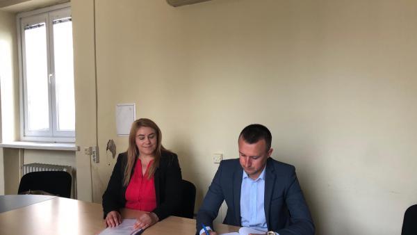 Кметът на Белица подписа пореден договор, осигурява работа на 40 безработни