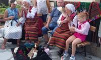 Туристи могат да учат  стари занаяти в Банско