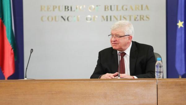 Здравният министър: Български екип е близо до лекарство срещу коронавирус