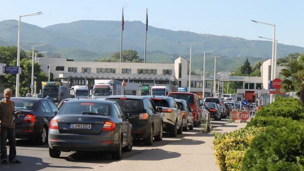 Гърция затваря границите си с България  за 3 дни