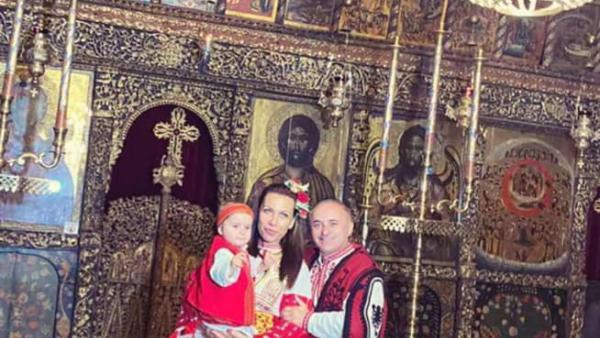 Кметът на Сандански направи атрактивна кръщенка на дъщеря си