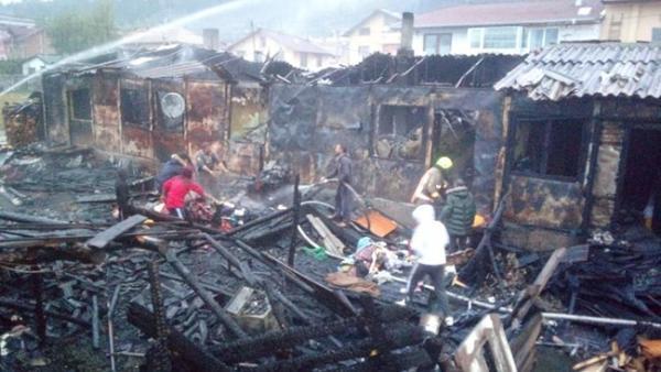Прокуратурата разследва умишлен палеж на домовете на 7 семейства в Разлог