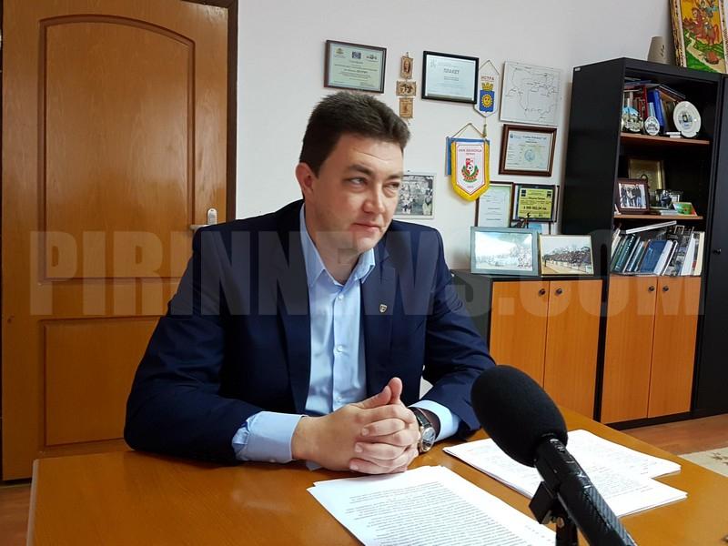 Кметът на Петрич спира временно строителството в Рупите