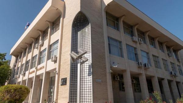 Съдят насилник, поискал да изгори ръцете на жена си