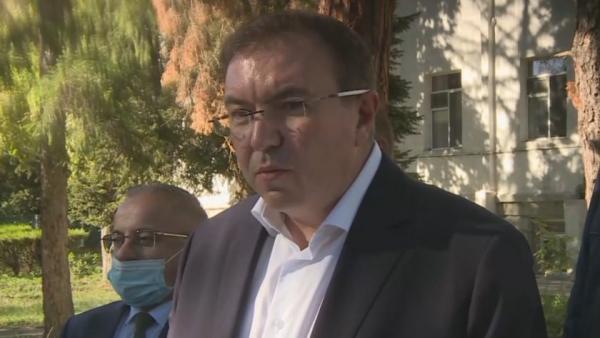 Здравният министър препоръча масови проверки  и контрол, за да излезе  Благоевградска област от червената зона