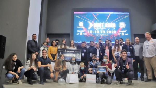 Хакатон събра бъдещи предприемачи в Банско