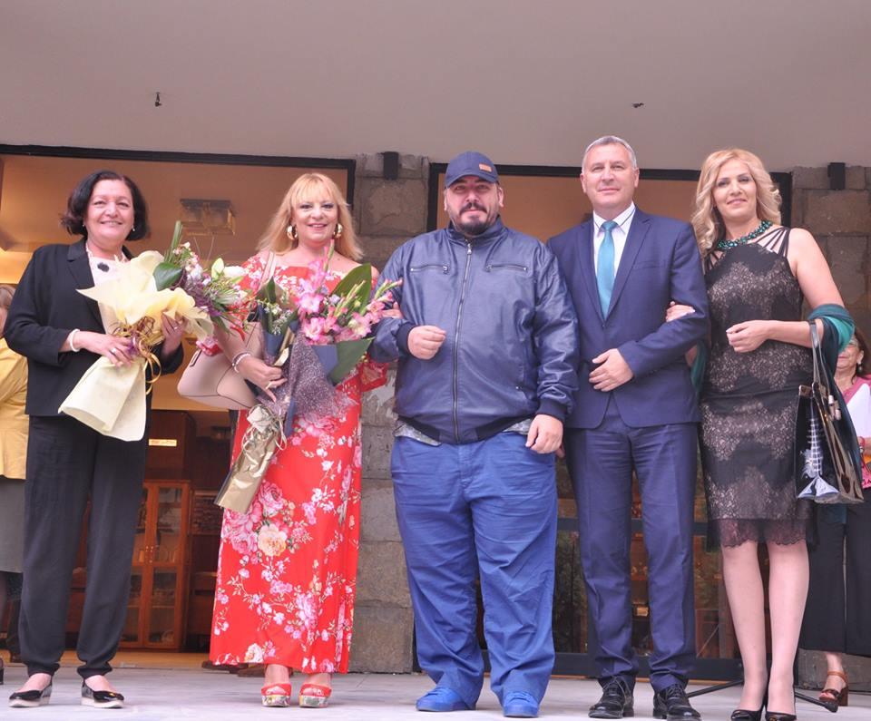 Нона Йотова, кметът на Разлог и куп звезди откриха таетралния фестивал
