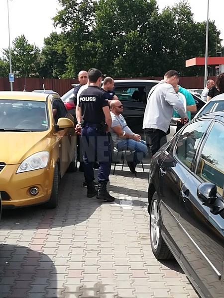 Зрелищна акция край Кауфланд, арестуваха криминално проявен /СНИМКИ/