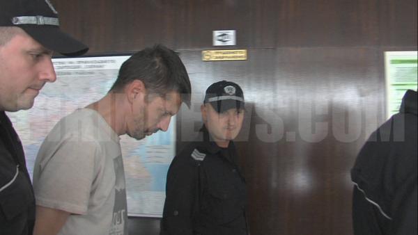 Съдът остави в ареста ексфутболиста Марио Метушев ,който закла приятел след пиянски запой