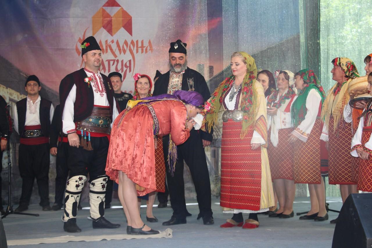 Над 1600 участници на първия Национален фестивал за народно творчество  Фолклорна магия - Банско