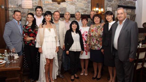 Кметът на Банско и съпругата му отпразнуваха сребърна сватба