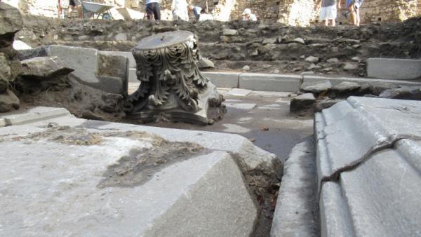 Скъпоплатени малоазийски каменоделци са направили площадната украса на Хераклея Синтика – но не докрай