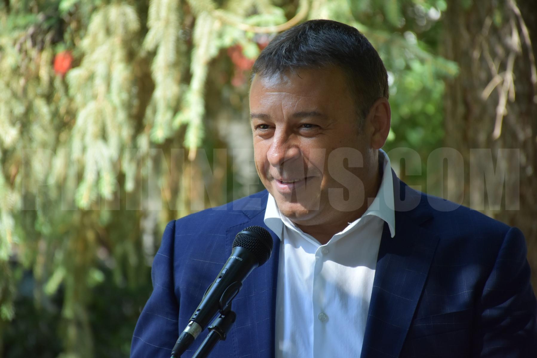 Кметът д-р Атанас Камбитов даде символичен старт на санирането на поредните сгради за над 5 млн.лева