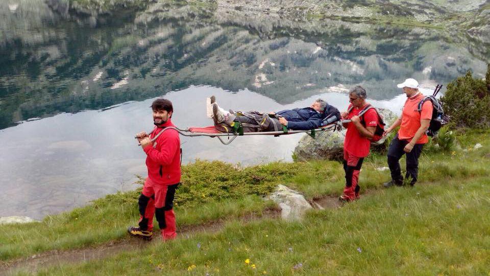 Туристка закъса край Попово езеро,  спасители от Добринище и помогнаха