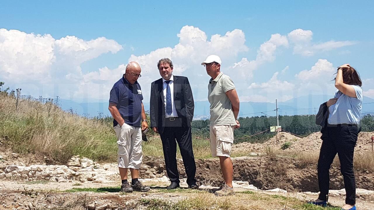 Министърът на културата Банов обеща още пари за  Хераклея Синтика