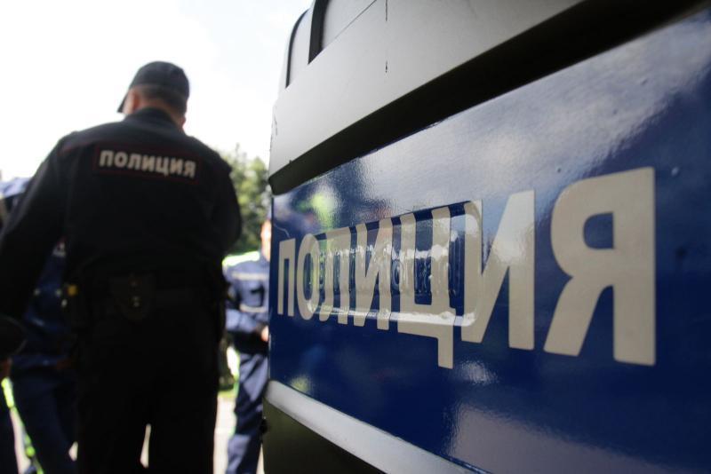 Арестуваха разложанин, изпотрошил маси в бар в Симитли