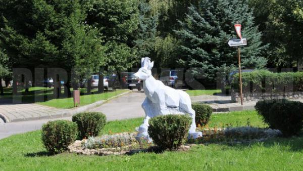 Мраморни скулптури украсиха Банско