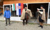 Рафтинг сезона по р.Струма открит със сняг, слънце и гайдари