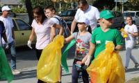 Зам.-министърка дойде да чисти в Благоевград