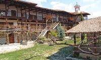Съдът в Сандански решава дали да пусне или остави в ареста 4-мата нападатели на Роженския манастир